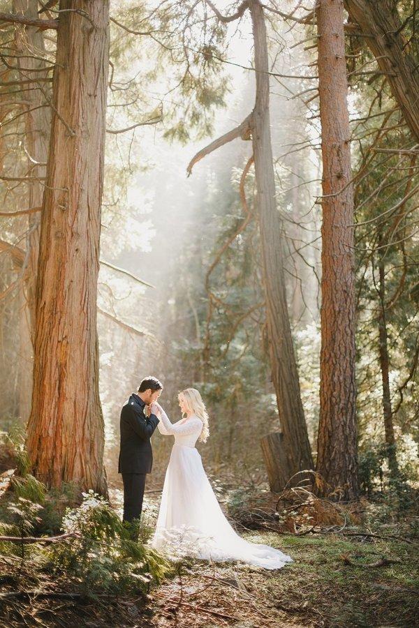 romantic photo shoot ideas - 30 Best Wedding Prenup Ideas for a Romantic shoot