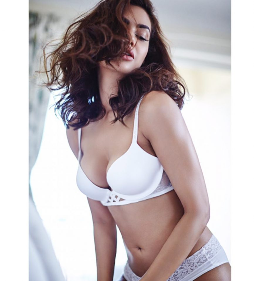 15 Smoking Hot Pics of Esha Gupta From Her Latest ...
